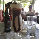 Foto van Surfside Restaurant & Beach Bar