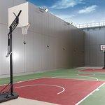 高空籃球場