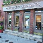 Queen City Creamery & Deli resmi