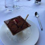 Je conseille le tiramisu le pavé de thon les saint Jacques aux morilles et le café liégeois