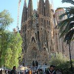 little park overlooked by the sagrada familia provides amazing photography at zero expense