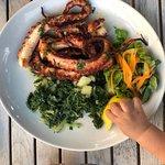 Ризотто с морепродуктами очень понравились, осьминог нежнейший рекомендую.  Суп куриный совсем н