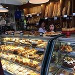Paris Bakery Cafe Foto
