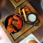Sticky Wings with bluecheese dip