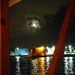 Con la fortuna de una noche de luna y una cena espectacular
