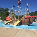 Foto de Land of Make Believe & Pirate's Cove