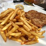 schnitzel with pommes