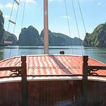 luxury private cruises to Halong bay