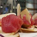 insalatina di porcini con tonno marinato agli agrumi