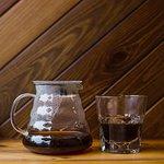 Калипсо brew bar - это альтернативные способы заваривания кофе - харио V60, аэропресс, френчпрес