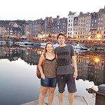 Le Vieux Port de Honfleur - Normandia.... Com eles Mayra e Luis. Clientes de Curitiba.