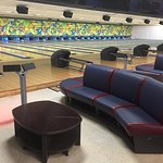 32 lanes of state-of-the-art bowling entertainment