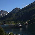 Kreuzfahrschiffe im Fjord(ohne Qualm)