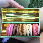6 pack of macarons in one of their fancy boxes!