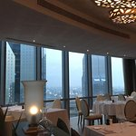 Stunning view, amazing food and very friendly staff. We really enjoyed our Italian dinner. I hig