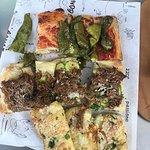 Rossa con friggitelli, bollito zucchine e pecorino, 4 formaggi e cipolla