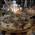 Muy rica comida. Pizza carbonara