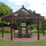 Burnby Hall Gardens seating area