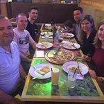 Pizza com amigos, a Carbonara é de dar água na boca!