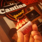 ¡Cremoso, suave y delicioso! Así es nuestro minicupcake de Red Velvet