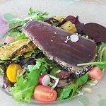 Un tayaki de thon exquis decouvert dans ce nouveau restaurant en bord de mer. Accueil chaleureux