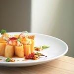 Paccheri in salsa di crostacei e molluschi