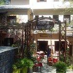 Άποψη αυλής Εστιατορίου Κληματαριάς