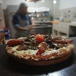 Pizza con lomo saltado.
