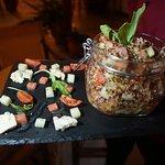 Δροσερή σαλάτα με καρπούζι και κινόα