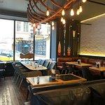 Younga Seafood&Bar