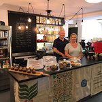 Owners - Nicola & Mark welcome you to The Lamppost - Burrs