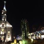 Foto externa da Igreja a noite