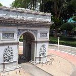 Arc de Triomphe Replica