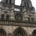 Foto de Tours de la Cathedrale Notre-Dame