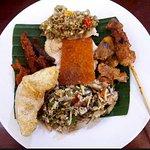 Foto Warung Makan Nengah