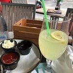 Belgradın İstiklal caddesinde ve gayet başarılı bir cafe restaurant serviste az gecikme olsada l