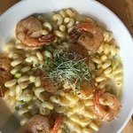 Mac and cheese with shrimp and lobster