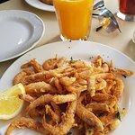 Small whole fried prawns!