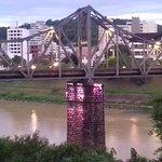 Ponte sobre o Rio Itajaí, vista da janela do corredor do meu apto.