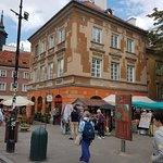 Orange Umbrella Free Tour