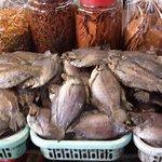 Photo de Binh Tay Market