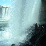Caminhando atrás da cachoeira