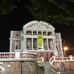 Teatro Amazonas. Imponente no centro de Manaus. Só pude conhecer por fora, mas valeu a experiênc