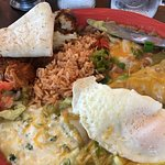 Green Chili Enchilada, beans, rice, *crispy* hash browns, over easy egg and a flour tortilla. YU
