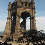 Kaiser Wilhelm Monument resmi