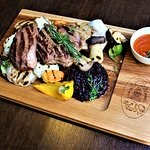 Latvian beef steak 1 kilo with grilled seasonal vegetables and portwine onions (4 persons meal)