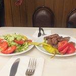 Котлетки и салат