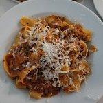 Ravioli di Vitello con Pomodoro e Panna $18