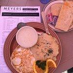 Photo de Meyers Downtown Cafe