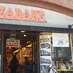 صورة فوتوغرافية لـ Zabar's